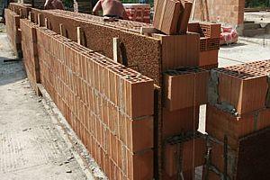 Prezzo muratura perimetrale in mattoni pieni o - Costo allarme perimetrale esterno ...
